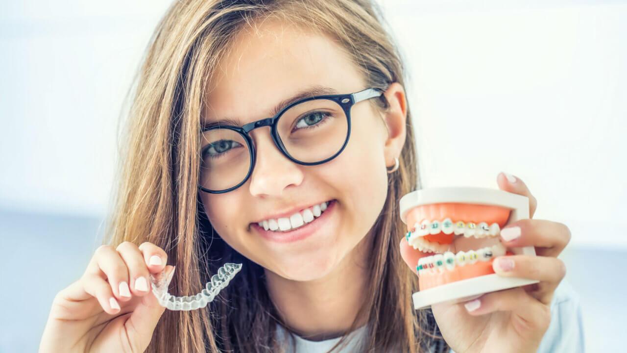 Invisalign compared to braces - Chic Dental