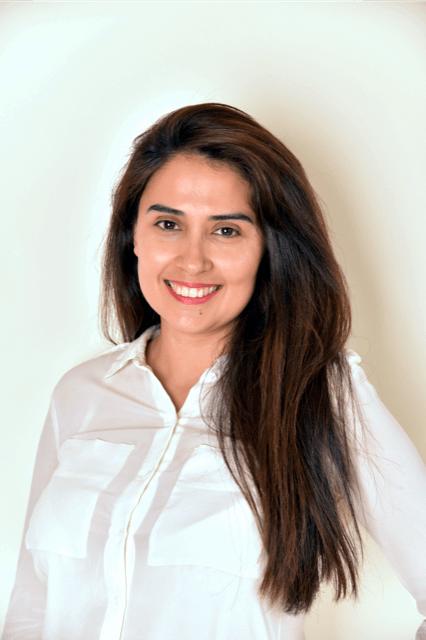 Professional dentist Dr Sonia Barreto - Chic Dental. Preston, Victoria. Melbourne.